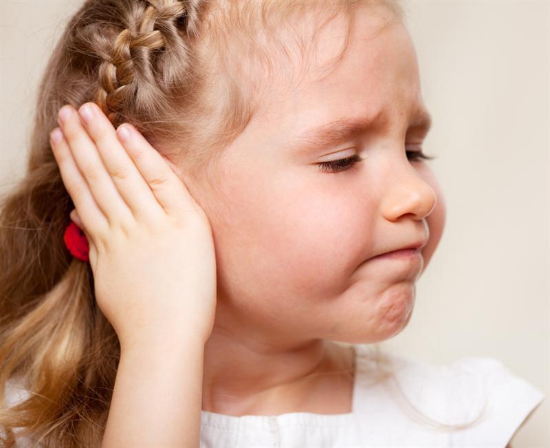 Почему идет кровь из ушей у ребенка? Какие причины и как избавиться от этого