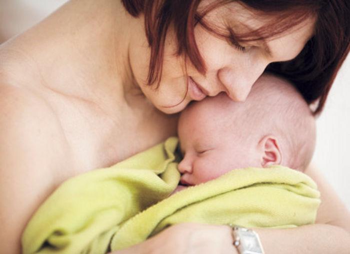у мамы нормальные выделения крови после рождения ребенка