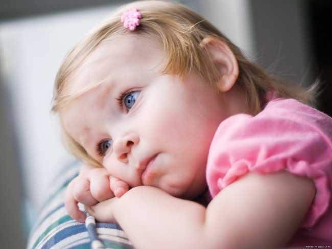 здоровый ребенок с нормальным калом