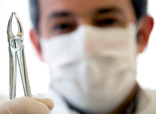 Стоматолог сможет оказать своевременную помощь