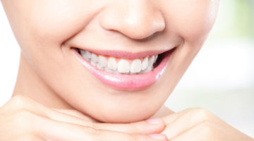 Когда из зуба идет кровь – что делать?