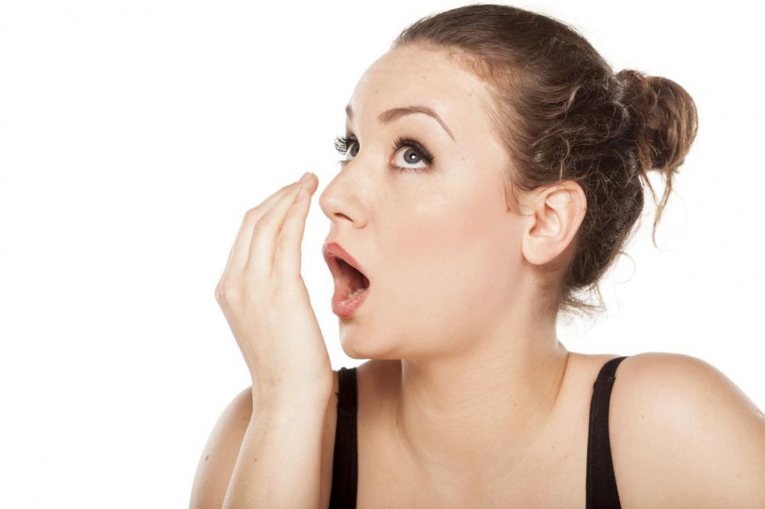 Почему со рта идет неприятный запах