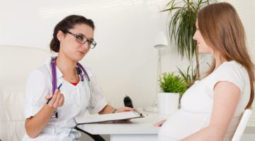 Почему при беременности идет кровь из носа и как этому препятствовать?