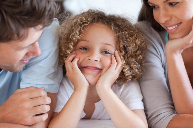 Родители и дочка