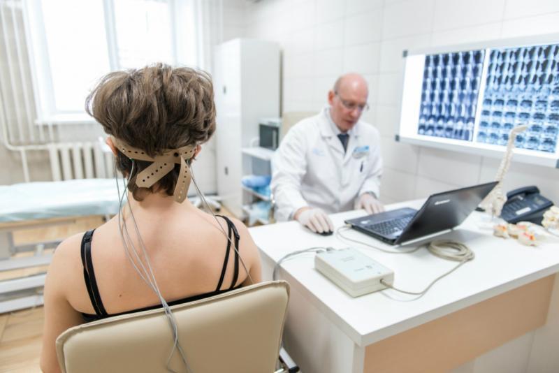 Реоэнцефалография: кому назначают и может ли быть опасна